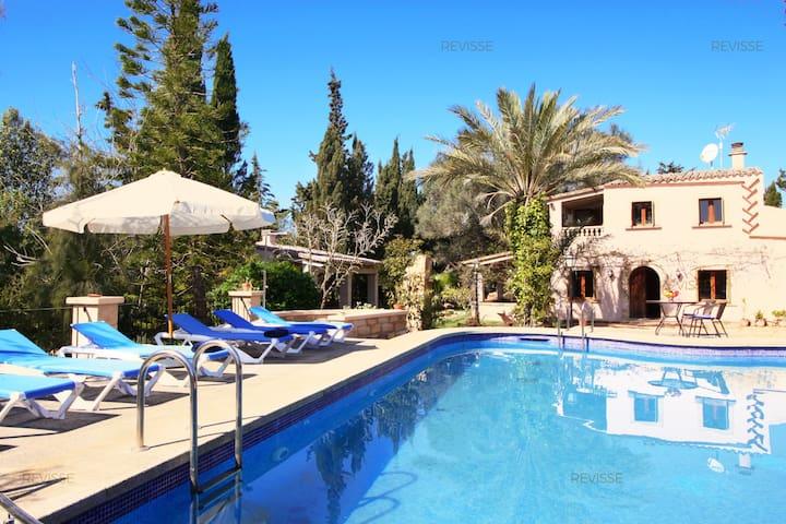 Beautiful Villa and Garden with Full Amenities - Campos - Villa