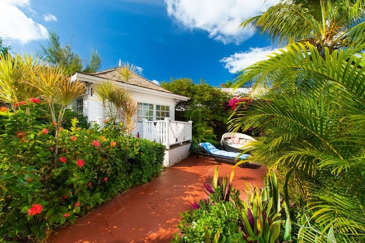 Garden Cottage Orange Hill Beach - White Sand!