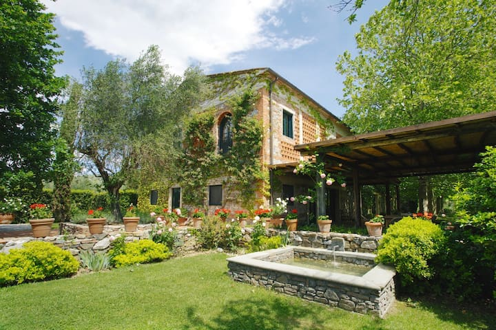 Amazing villa between Florence and Lucca - Brogi - Villa