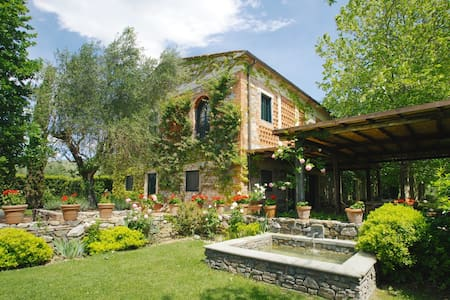 40 Minutes from Florence with Heated Pool & AC - Brogi - Villa