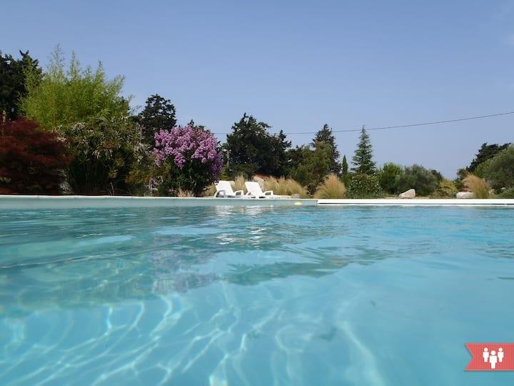 Gîte neuf avec spa, piscine, 4 pers