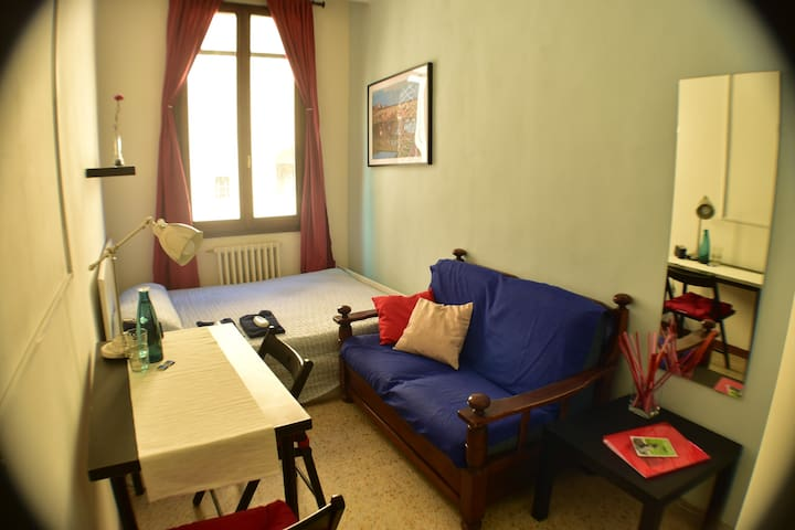 Smart room in the centre of florenc