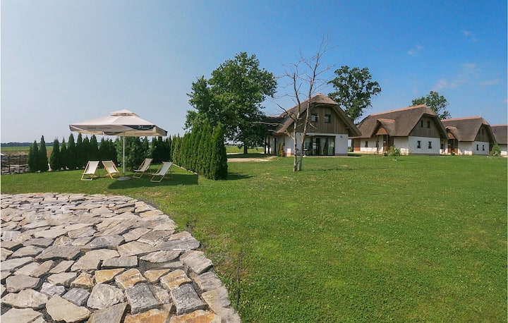 Awesome home in Moravske Toplice with WiFi and 2 Bedrooms