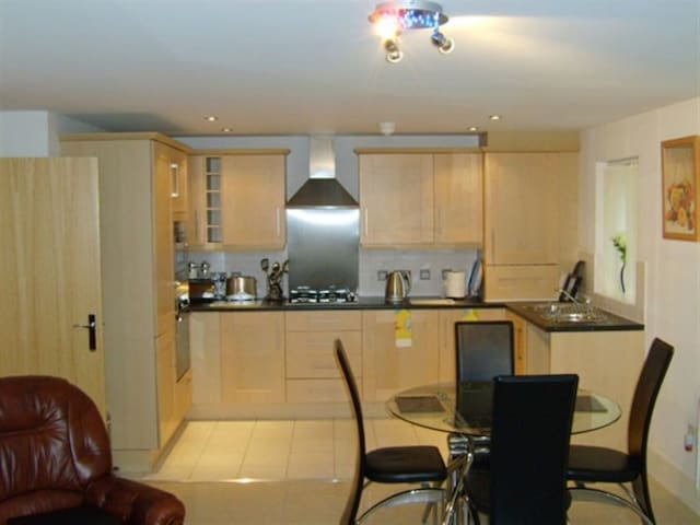 Luxurious Worsley Apartment for Short Term letting