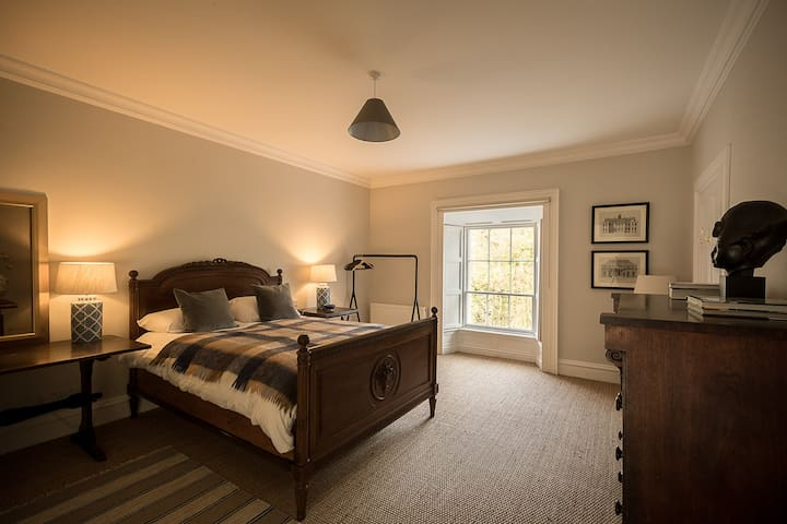 Luxury Ensuite Bedroom in Georgian Townhouse
