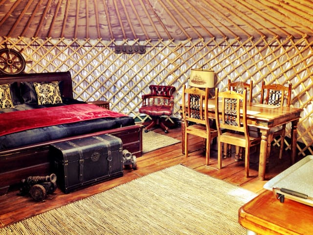 'Drake' a luxurious yurt with harbour & sea views - Emsworth - Khemah Yurt