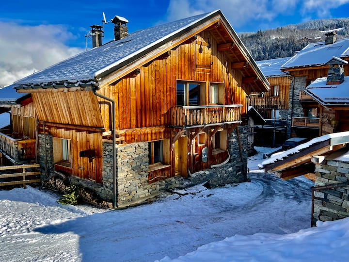 Luxury chalet with sauna, ski back possible