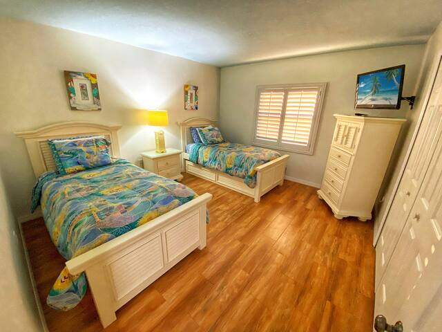 Guests can relax in the accommodating twin trundle beds (sleeps 4)