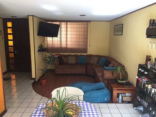 Great room in Puebla!!! - Puebla - Huis