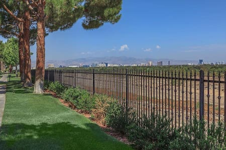 1 Cozy Bedroom minutes from the strip and airport - Henderson - Pis
