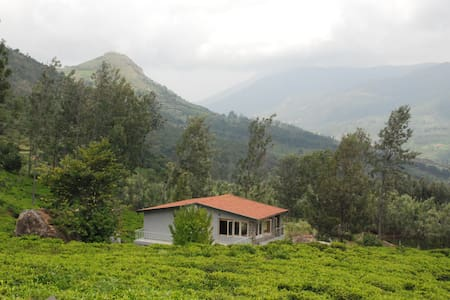 Farm-to-Table Relaxing 2 B/R Estate House, Deenaty - AS SOON AS INDIA REOPENS