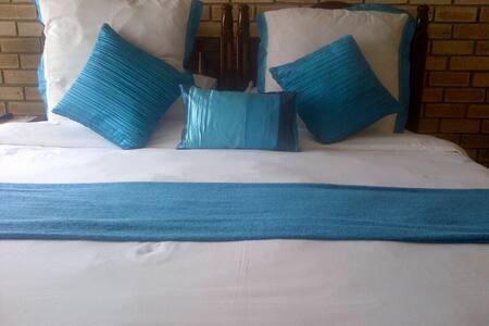Deluxe Double bedroom - Bedroom