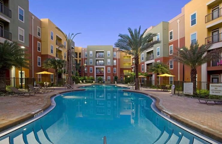 Beautiful confy place to stay, vacation/summer sch - Orlando - Apartment