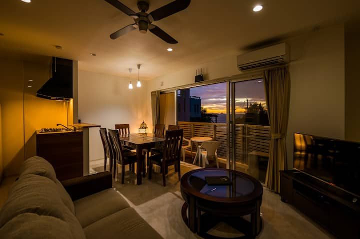Ocean view condo! awesome sunset, 2nd floor, Wi-Fi