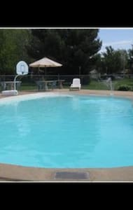 Private studio with pool in Richboro/Ivyland area