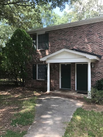 Very nice 2BR, 1.5BA for rent, Center of Clemson.
