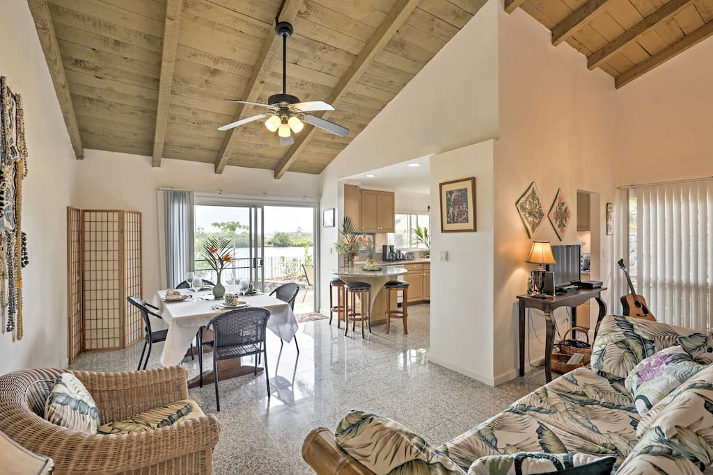 Nestled within the desirable Hawaii Kai neighborhood, this single-level respite features a gorgeous waterfront location, private furnished lanai and all the necessary comforts of home.