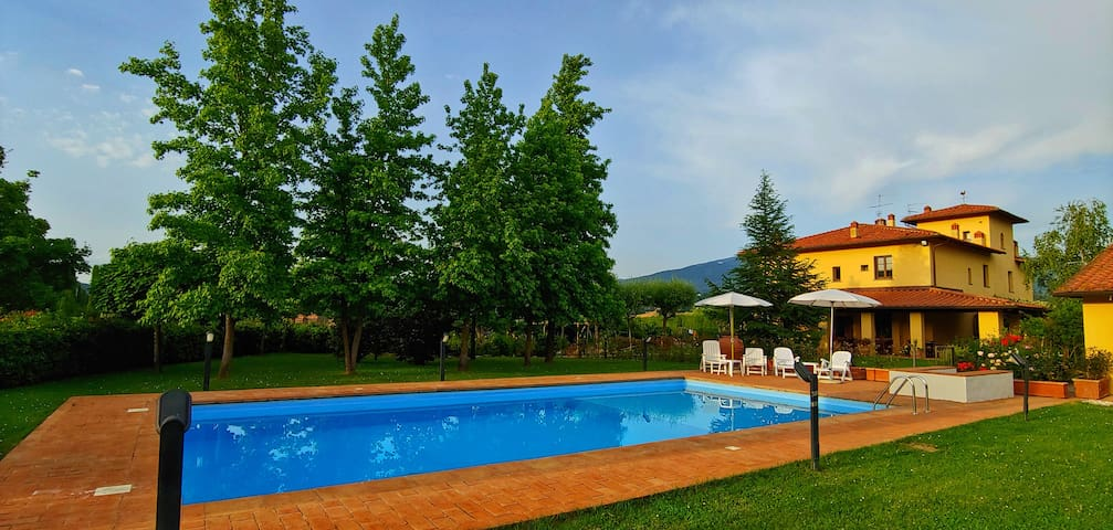 VILLA with Pool  - 4 Bedrooms (each with bathroom)