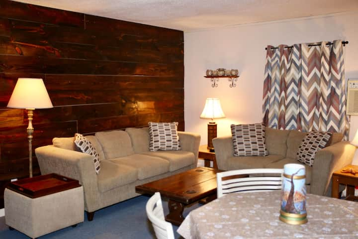 Salty Marsh Lodge Fishing Reduced Price GREAT FIND