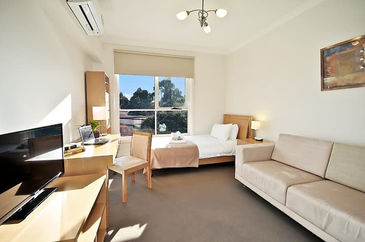 Executive Room with Ensuite Bathroom  in Brunswick