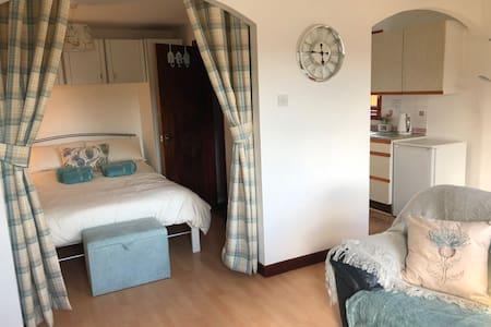 Modern studio apartment in Inverness, Culloden