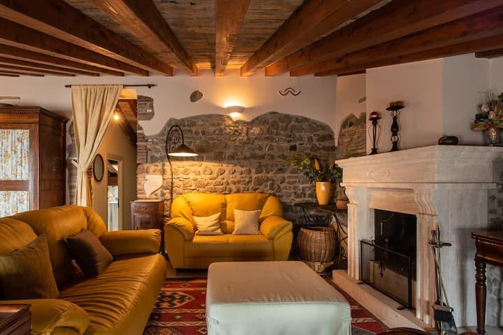 Marbel Gandolfo private apartment