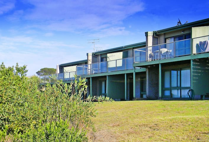 'PAROOBA' - Great Ocean views - Tura Beach - Wohnung