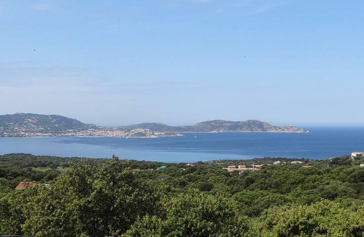 Duplex cosy T4 vue mer baie de Calvi! (3 sdb)