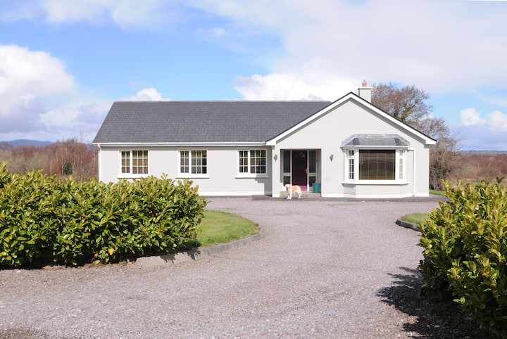 Kerry:Fab country views yet close to all amenities