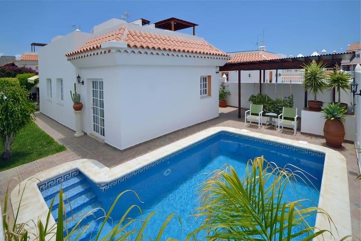 Villa in La Caleta - La Caleta - Huis