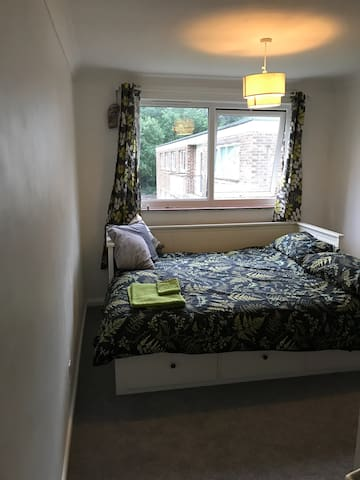 Double room in newly renovated flat - Chandler's Ford - Byt