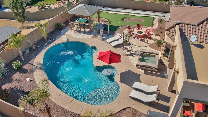 Large Luxury Oasis Home with Abundant Recreation