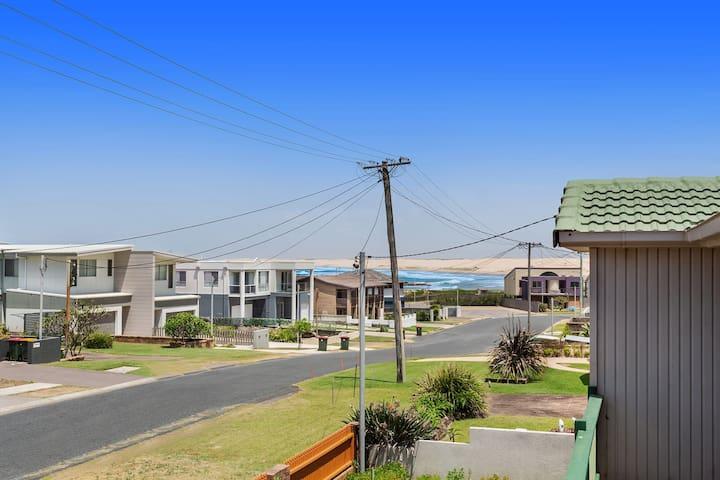 1/32 Ocean Avenue - three bedrooms, three bathrooms, air con, boat parking & water views