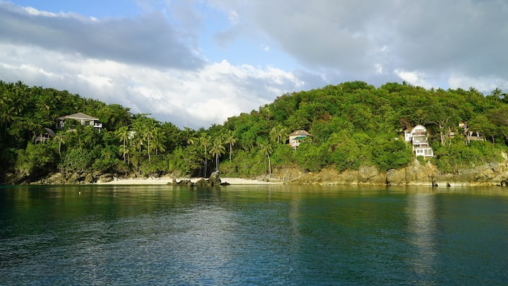 Secluded Romblon Beach House (Jungle House)