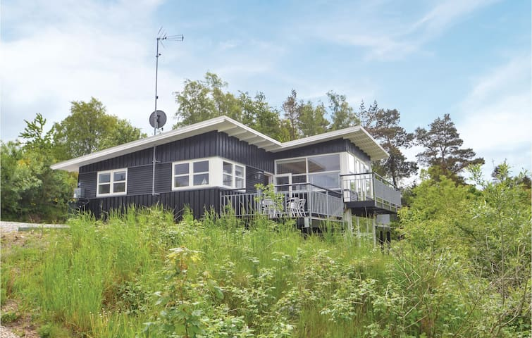 Holiday cottage with 4 bedrooms on 167m² in Glesborg