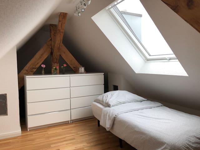 Gallerie mit 2 x Einzelbetten