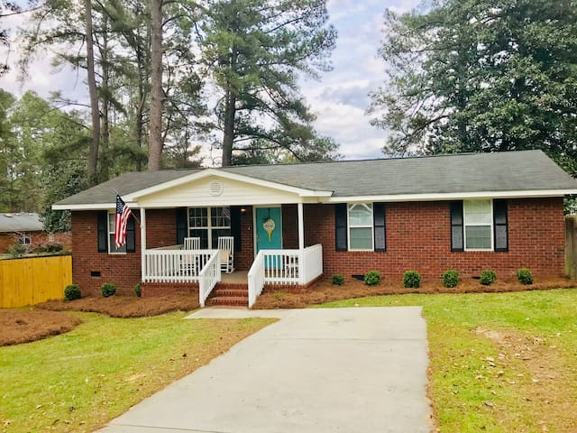 Master's Rental 2.5 Miles From Gate