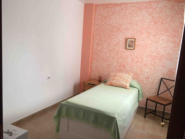 Hermosa habitación al Sur de Tenerife y Aeropuerto