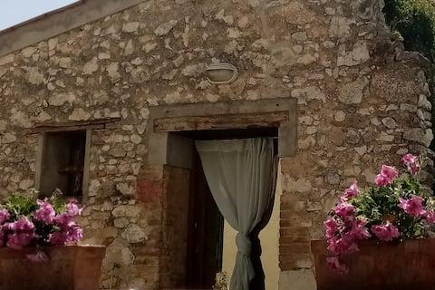 La Casetta -Tiny House  on the Saint Francis Walk.