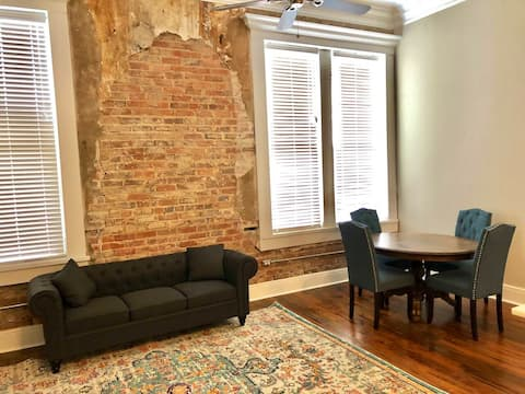 Historic Downtown Apartment with partial view