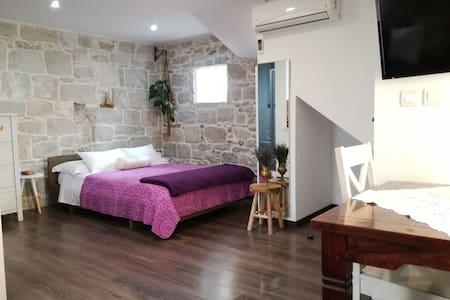 Center stone apartment