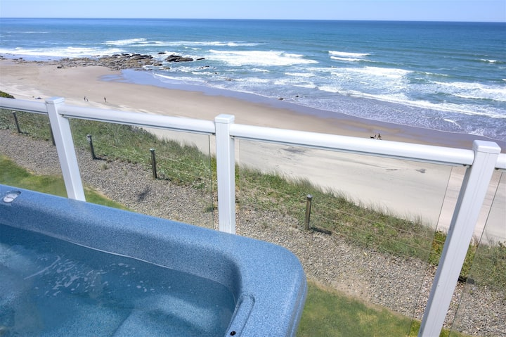 Pacific Pearl - Oceanfront 2BR w/ Private Hot Tub