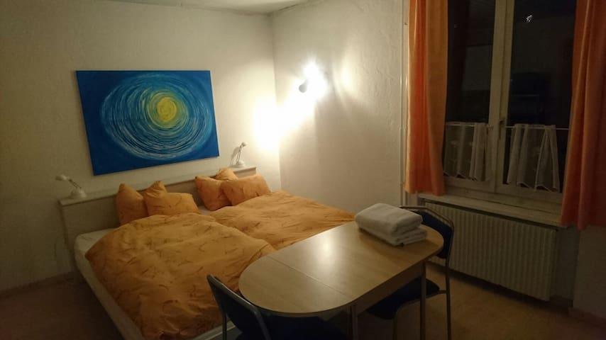Studio mit eigenem Badezimmer in Bremgarten AG