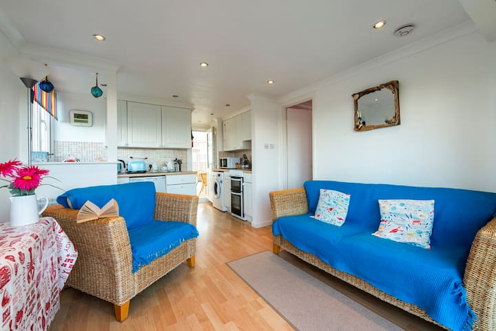 Clonmore - self-catering chalet near Hayle beach