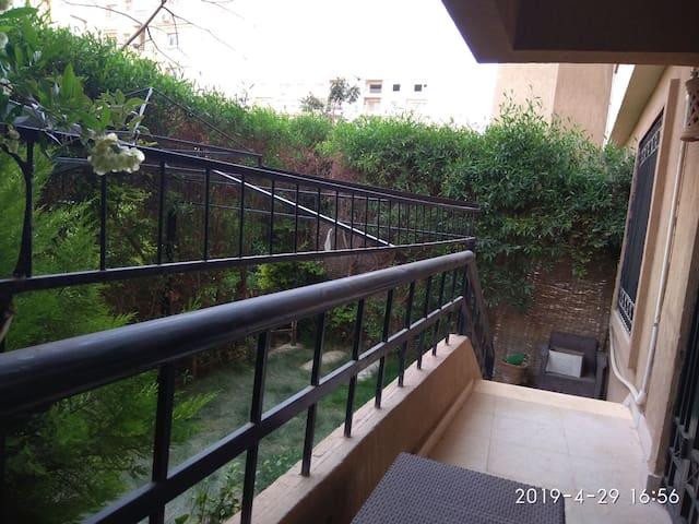 Cozy,quit,lovely flat with private garden-Madinty