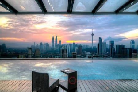 MoPzY 9pax Suite @ REGALIA KL VIEW - Kuala Lumpur