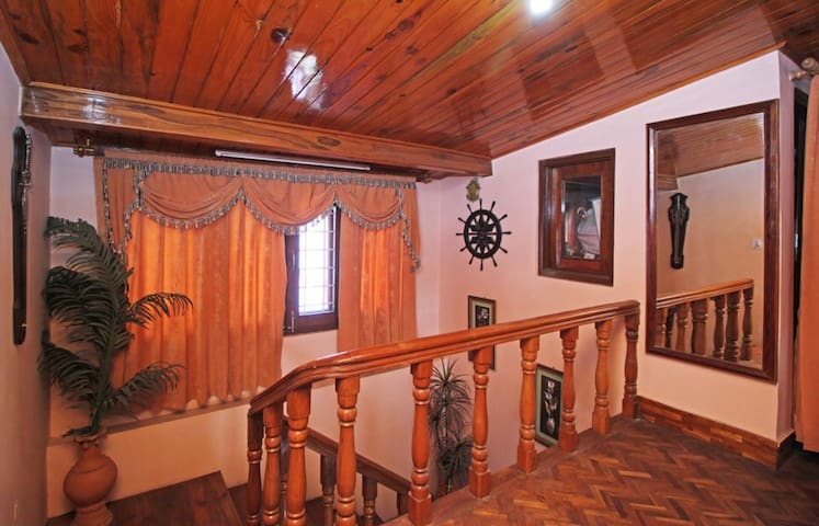 Cottage in the Heart of Nainital Lake City