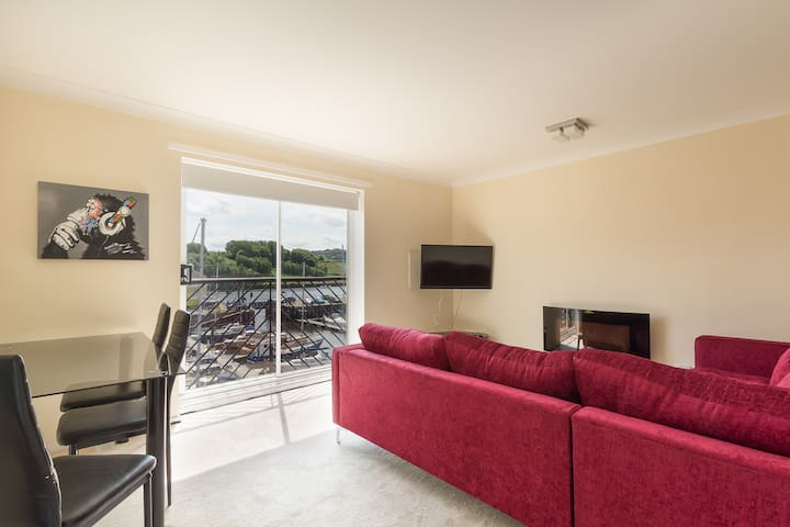 2 double bedroom Quayside apartment The Moorings
