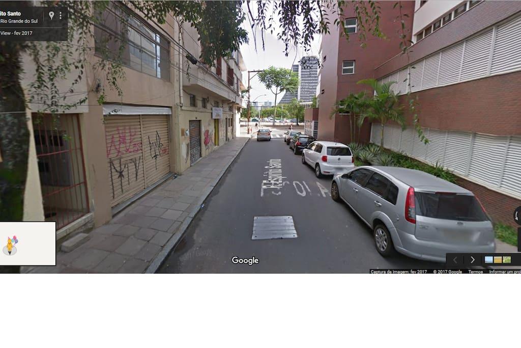 nossa rua: sossegada e fácil de chegar!