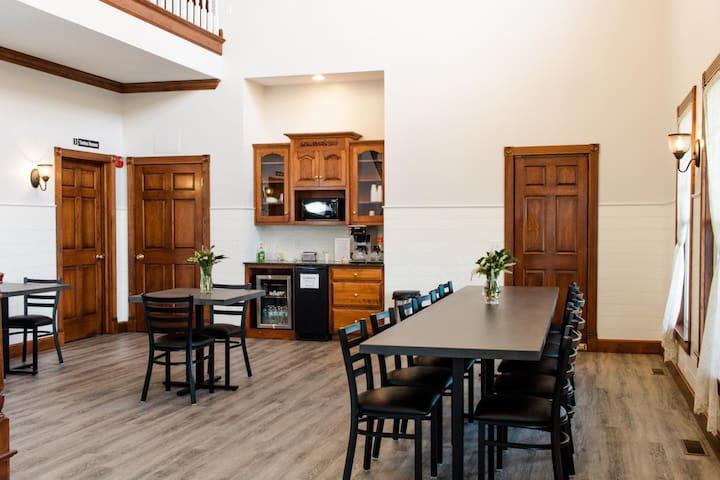 Hillside Inn - Hillside Suite